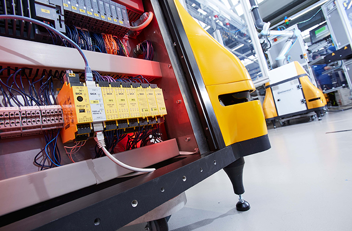 FlexiSoft Safety controller attached to Cobot