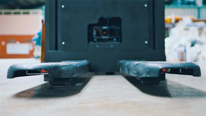 pallet pocket detection, Precise detection of pallet pockets using a 3D snapshot camera
